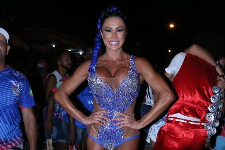 Carnaval 2019: Gracyanne Barbosa durante ensaio de rua da União da Ilha, no Rio