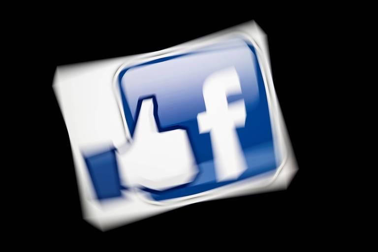 Logo do Facebook; empresa tenta incluir medidas de transparência após casos de violação à privacidade