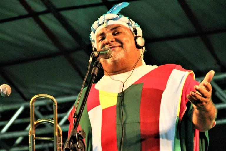 Cantor e compositor Gerônimo Santana faz show no Sesc Pompeia