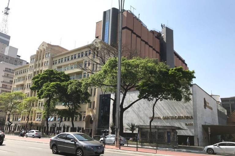 Fachada do Hospital Santa Catarina, na avenida Paulista, em São Paulo (Fabrício Lobel/Folhapress)