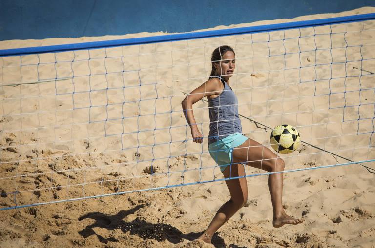 Tatiana Pena começou a jogar há dois anos após entrar em um grupo de WhatsApp com 60 mulheres que praticavam o esporte