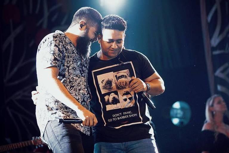 Dupla Henrique & Juliano