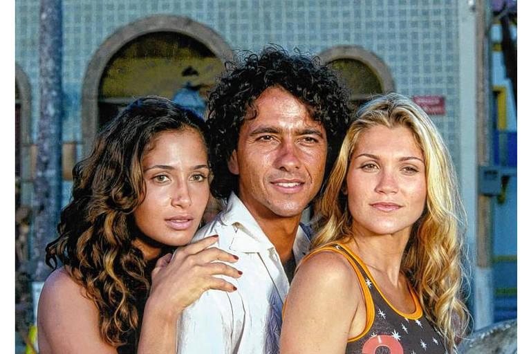 Flávia Alessandra, Marcos Palmeira, e Camila Pitanga em cena da novela