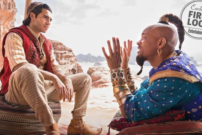 Will Smith e Mena Massoud como o Gênio e Aladdin, respectivamente