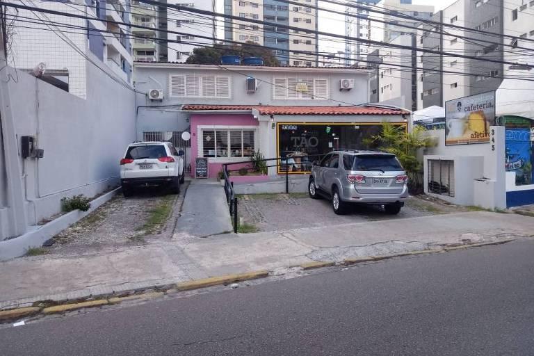 Endereço em que estaria funcionando gráfica registrada como beneficiária de repasses de candidata do PSL, no Recife