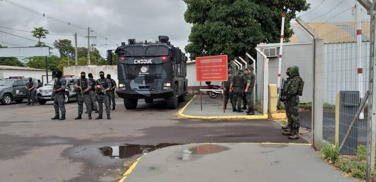 Membros do PCC são transferidos para presídios federais