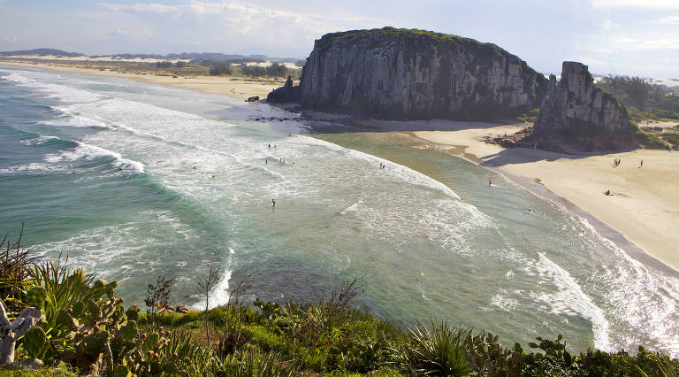 Praia da Guarita, em Torres (RS)
