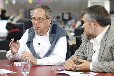 SAO PAULO, SP,  24-06-2015  -  O entrevistado deste mês no TV Folha é Bob Wollheim( blusa nos ombros), diretor responsável pelo digital do Grupo ABC, e Marcelo Severo Pimenta (blazer xadrez).  ( Foto: Keiny Andrade/Folhapress, MERCADO)