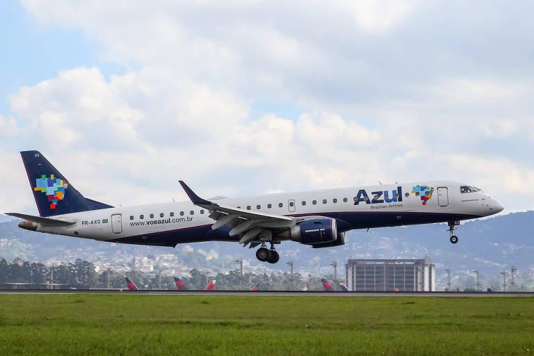 Avião da Azul no aeroporto de Guarulhos