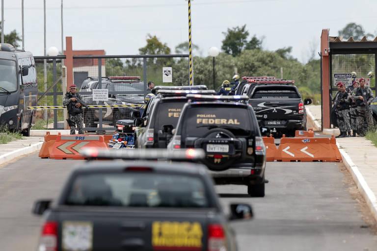 Carros da Polícia Federal