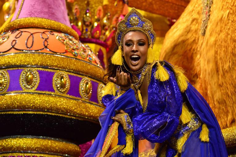 Desfile da escola de samba Águia de Ouro, em 2018