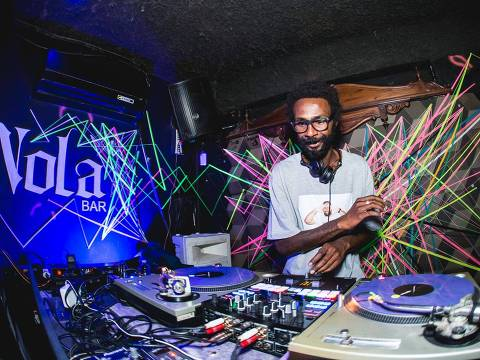 Nola Bar faz festa de despedida com DJs que já comandaram a pista ORG XMIT: THfC8WytIcWDIxxP5p48