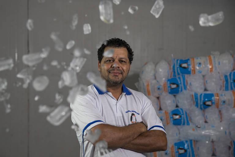 Carlos Gomes em sua empresa Gelos Pinguim, na zona sul de São Paulo
