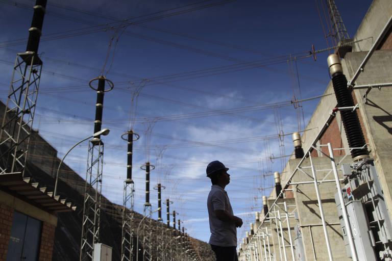 Trabalhador do setor energético em Itumbiara