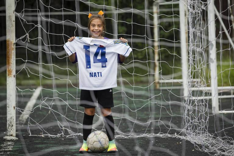 Natalia, 9, foi aprovada para jogar nas categorias de base do Avaí