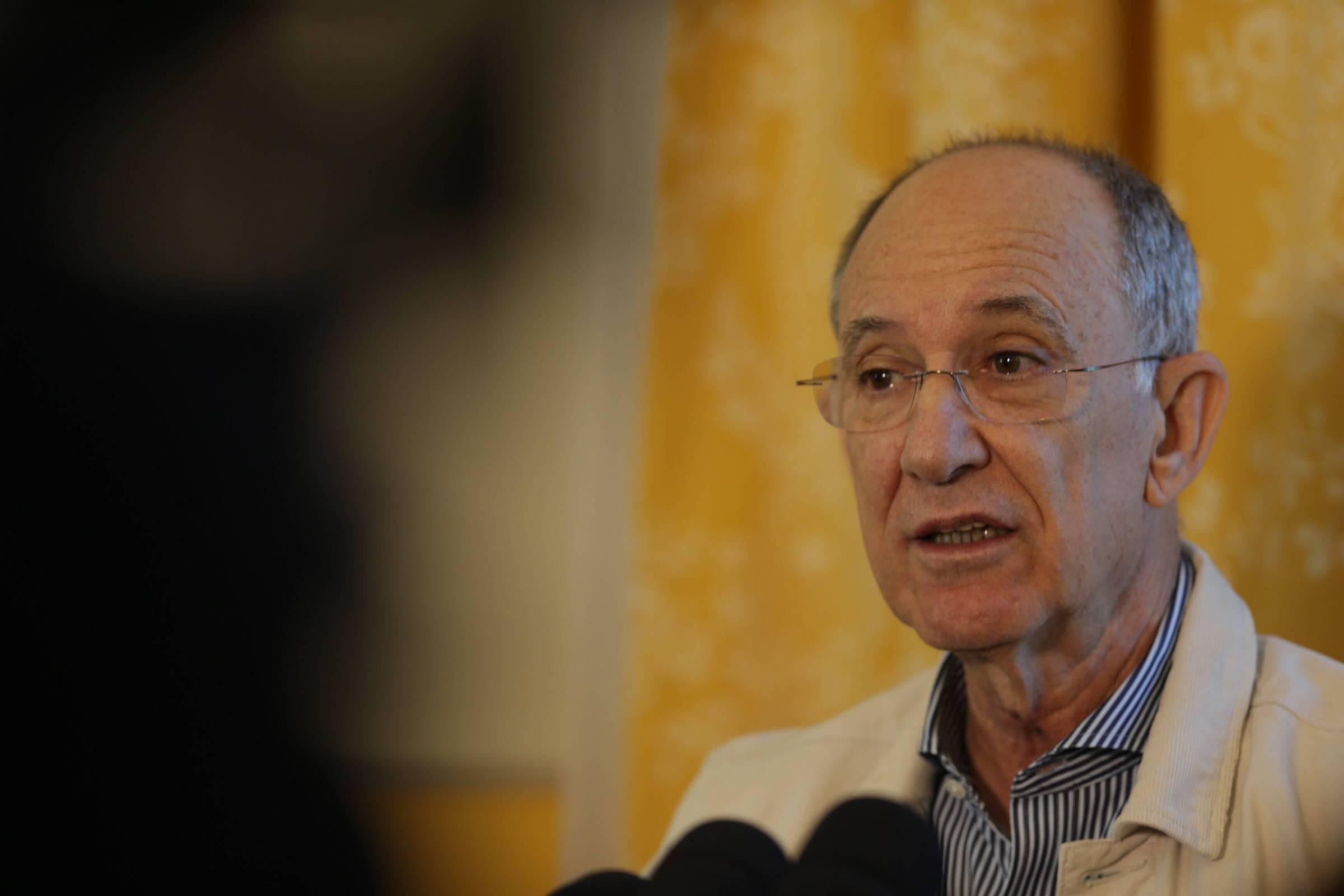 Ruy Falcão quer saber quem são as 134 autoridades investigadas pela Receita Federal