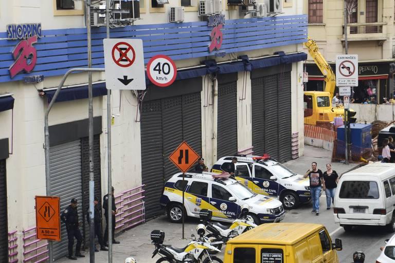 Carregador de mercadorias é preso por furto no shopping 25 de Março