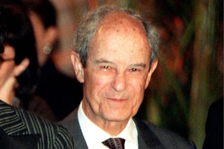 Ex-genro pede na Justiça metade das empresas do banqueiro Aloysio Faria