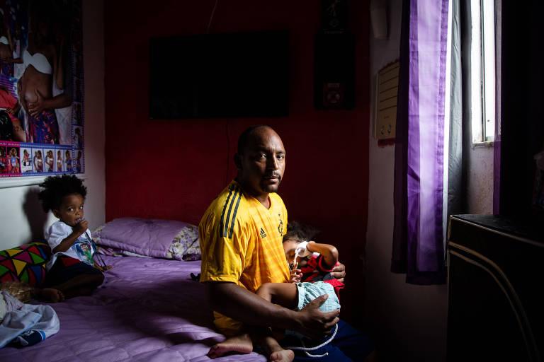 Cristiano Estério, pai do goleiro Christian, morto no incêndio no Ninho do Urubu, no Rio. Cristiano também é pai dos gêmeos Lavínea e Leandro, que tinham o irmão como ídolo