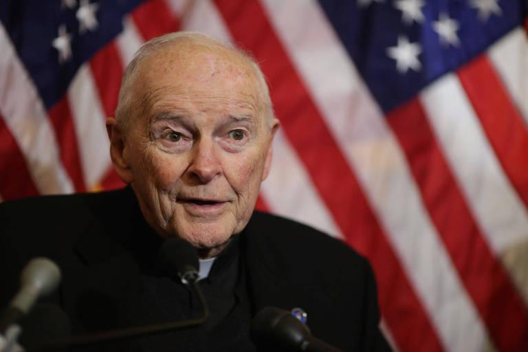 Theodore McCarrick, ex-cardeal e arcebispo de Washington; ele foi expulso da Igreja por acusação de abuso sexual de menores