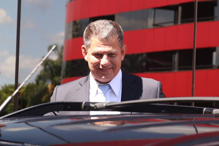 O ministro da Secretaria Geral, Gustavo Bebianno, deixa o hotel onde mora em Brasília