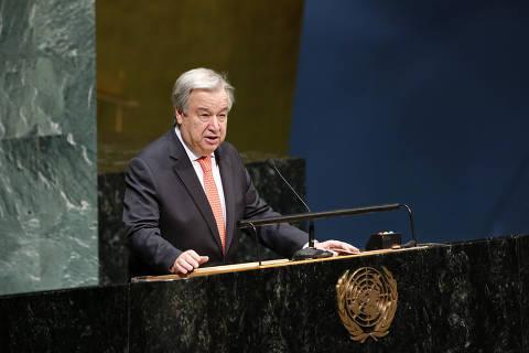 (190128) -- NUEVA YORK, enero 28, 2019 (Xinhua) -- El secretario general de la Organización de las Naciones Unidas (ONU), Antonio Guterres, pronuncia un discurso durante una ceremonia en la sede de la Organización de las Naciones Unidas (ONU), en Nueva York, Estados Unidos, el 28 de enero de 2019. El secretario general de la ONU, António Guterres, dijo el lunes que el viejo antisemitismo está de regreso y que los grupos neonazis están proliferando. En declaraciones hechas durante una ceremonia realizada con motivo del Día Internacional de Conmemoración en Memoria de las Víctimas del Holocausto, el jefe de la ONU dijo que ha habido