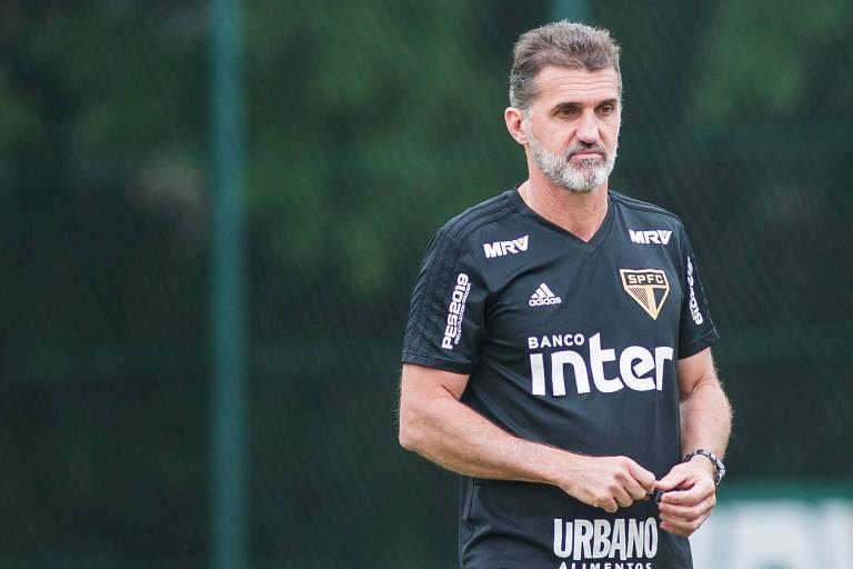Vagner Mancini durante treino do São Paulo em fevereiro