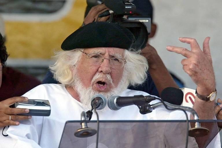 Papa Francisco reabilita padre perseguido pela ditadura da Nicarágua
