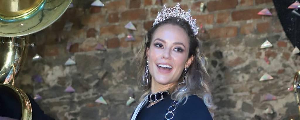 Carnaval 2019: Paolla Oliveira é coroada rainha do bloco Cordão da Bola Preta