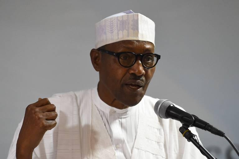 O presidente da Nigéria, Mohammadu Buhari, em discurso durante reunião de seu partido nesta segunda (18)