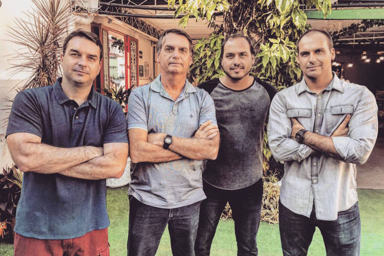 Da esquerda para a direita, Flávio, Jair, Carlos e Eduardo Bolsonaro