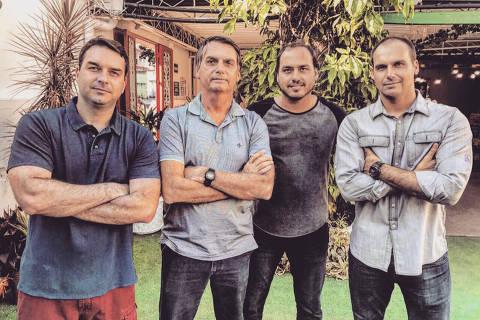 Uso de dinheiro vivo sustentou campanhas eleitorais da família Bolsonaro