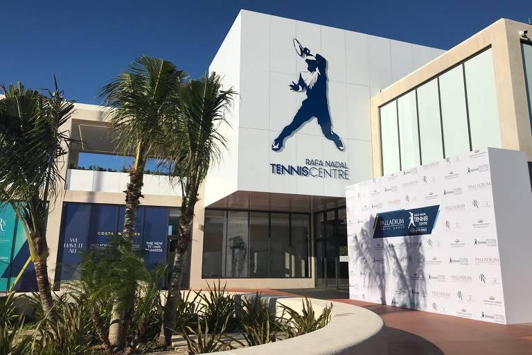 Fachada do Rafa Nadal Tennis Centre, nos arredores de Cancún