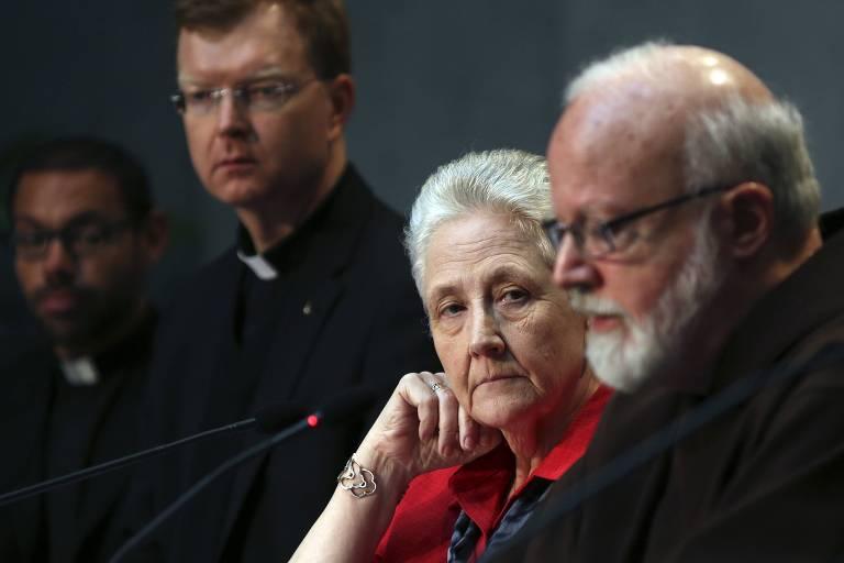 Marie Collins, que foi abusada e participou de uma comissão da igreja dedicada ao tema