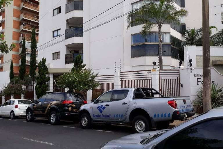 A Polícia Federal na casa do ex-chanceler Aloysio Nunes em São José do Rio Preto