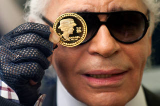 FILE PHOTO - German fashion designer Karl Lagerfeld presents a 5 Euro coin  to commemorate the 83814914ef6