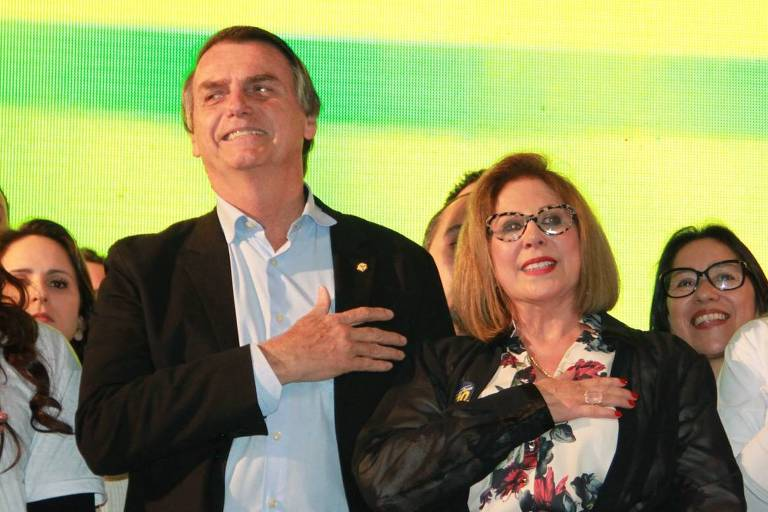 Carmen Flores, que concorreu ao Senado pelo PSL-RS, ao lado do então presidenciável Jair Bolsonaro