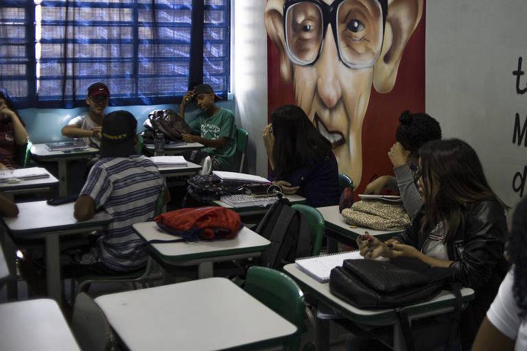 Sala de aula de escola estadual em Guarulhos