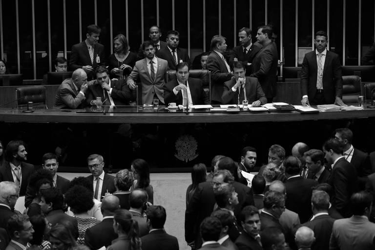 Plenário da Câmara durante sessão plenária em que deputados impuseram primeira derrota ao governo Bolsonaro ao aprovar urgência contra mudança em Lei de Acesso à Informação