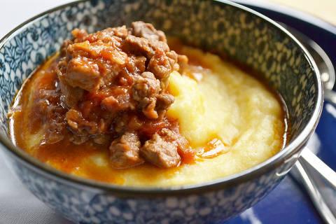 Polenta mole fica saborosa quando servida com ragu de carne. Foto Juliana Ventura/Arquivo Pessoal