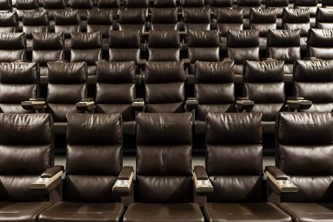 SAO PAULO - SP - BRASIL, 08-02-2019, 14h00: CAPA DO GUIA. Sala de cinema Cinepic, da Cinesystem, no Morumbi Town Shopping. A sala tem um sistema de som que conta com caixas no teto.  (Foto: Adriano Vizoni/Folhapress, GUIA) ***EXCLUSIVO FSP***