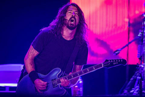 SAO PAULO, SP, BRASIL, 23-01-2015, 21h17: Show da banda americana Foo Fighters, no estadio do Morumbi, em Sao Paulo. (Foto: Eduardo Anizelli/Folhapress, ILUSTRADA) ***EXCLUSIVO*** ORG XMIT: _NIZ7546.CR2