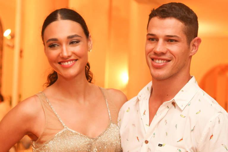 A atriz Debora Nascimento e Jose Loreto