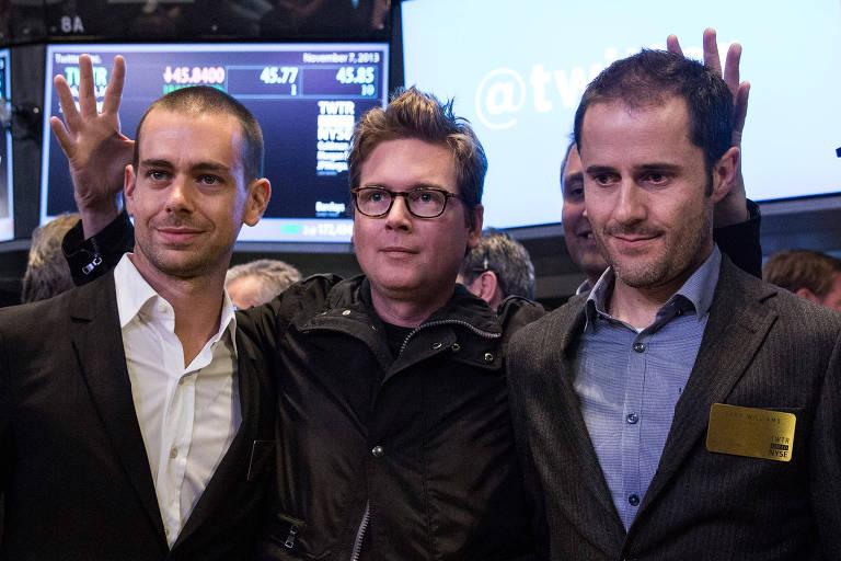 Da esquerda para à direita, Jack Dorsey, Biz Stone e Evan Williams, cofundadores do Twitter, durante a IPO da empresa, em 2013
