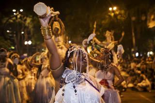 Carnaval em SP. Concentracao do bloco AFRO ILU OBA DE MIN - tradicional bloco da cultura negra- desfila na av Sao Luiz no centro de Sao Paulo