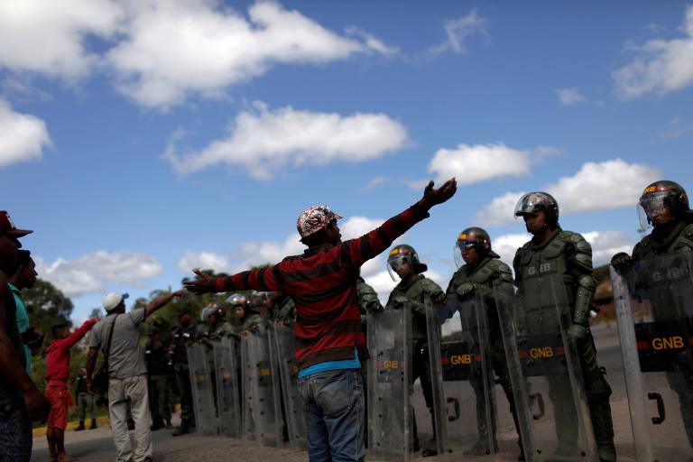 Fronteira entre Venezuela e Brasil em Pacariama, Rorairama