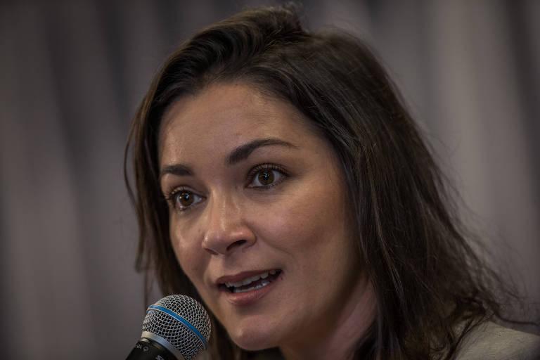 Ilona Szabó de Carvalho, colunista da Folha, fala em evento
