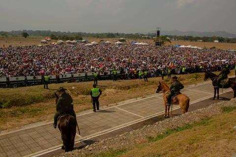 Venezuelanos celebram show, mas temem por operação de entrega de ajuda
