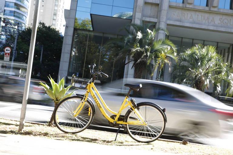 Serviço de empréstimo de bicicletas yellow bike