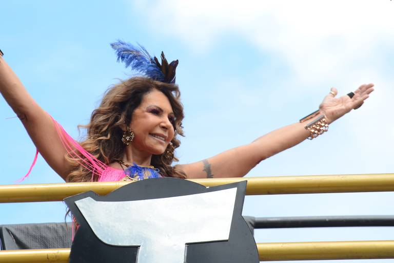 Elba Ramalho no bloco Frevo Mulher, na capital paulista